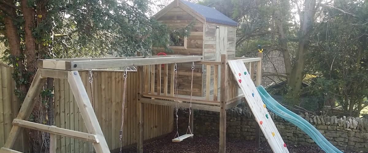 Tree House Play Platform With Swing Set